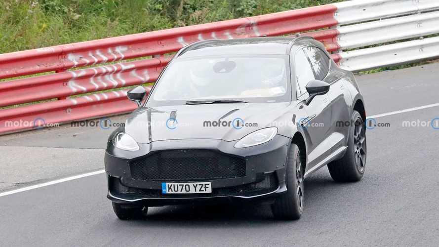 Шпионские фото обновленного Aston Martin DBX