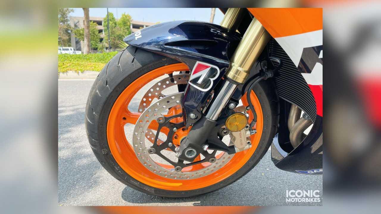 2009 Honda CBR1000RR Repsol Edition - Front Wheel Closeup