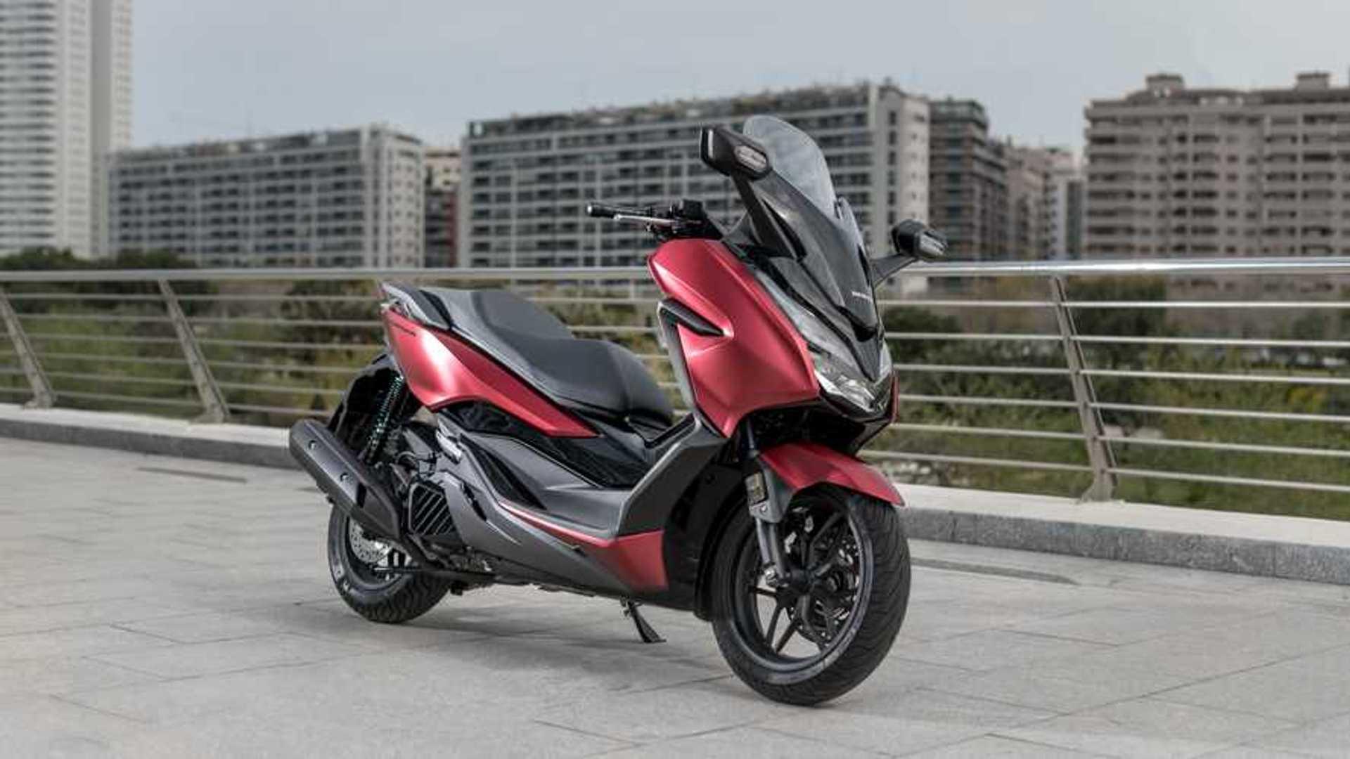Essai Honda Forza 125 Et 300 Toujours Plus Haut