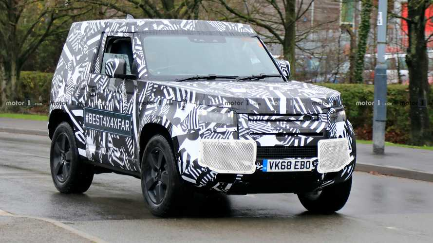 2020 Land Rover Defender 90 spy photos