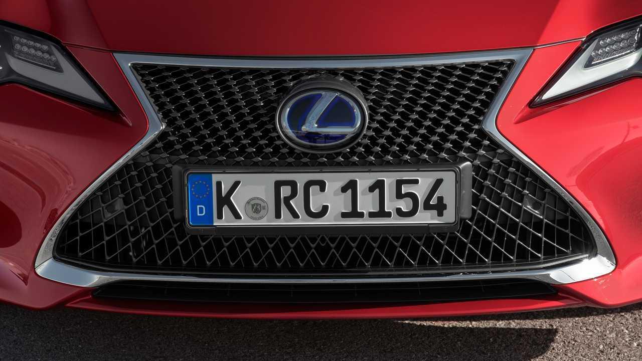 Lexus RC 300h, test drive
