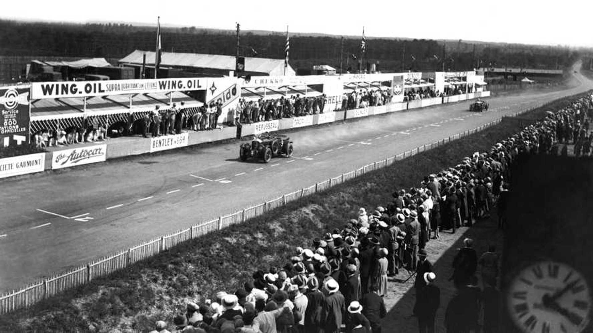 "[""#9 Bentley - Le Mans 24 Hours - Sir Henry Tim Birkin / Jean Chassagne""]"