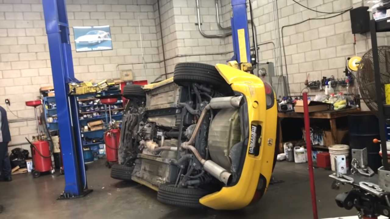 Honda S2000 2018 >> Honda S2000 Wrecked At Repair Shop Makes Us Cry