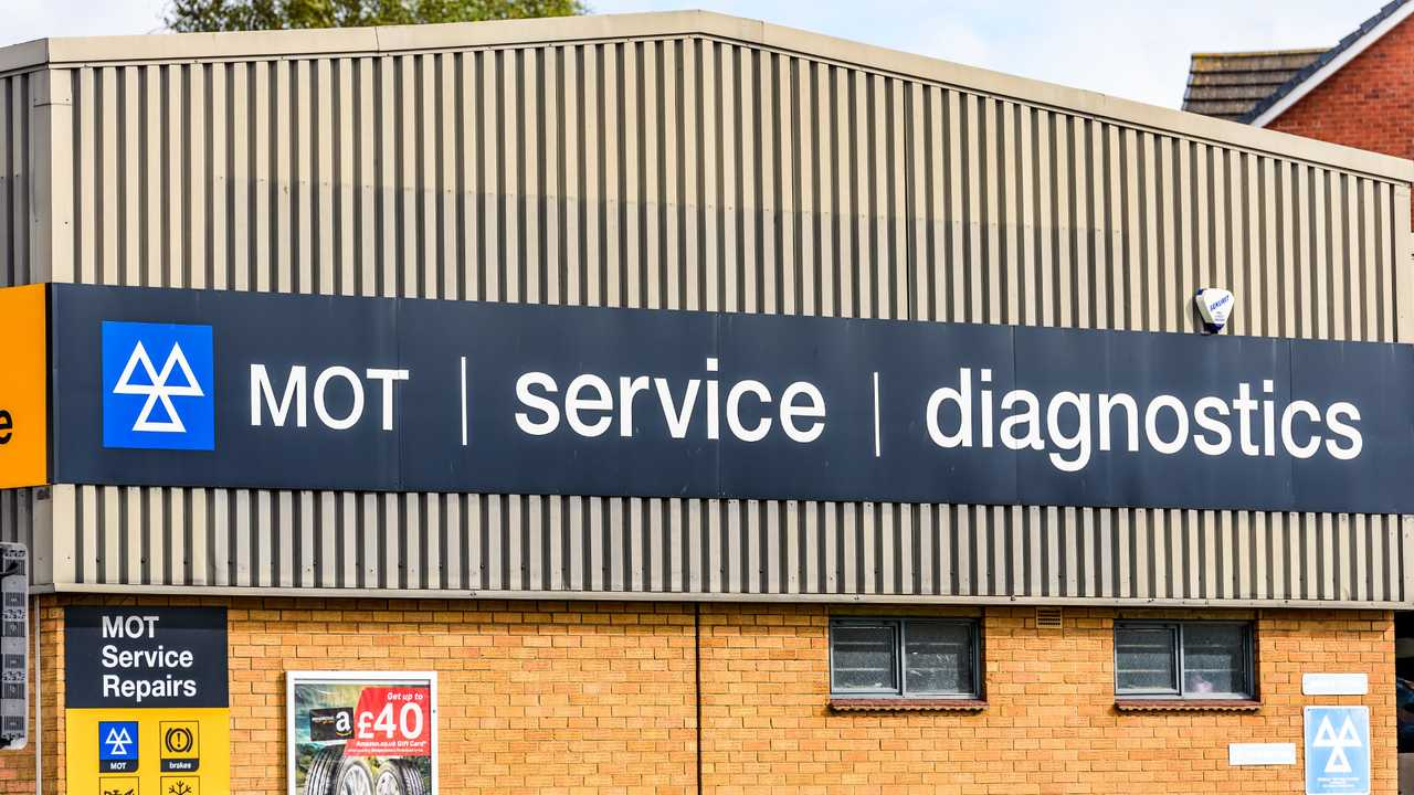 Halfords Mot and Service Centre in Northampton