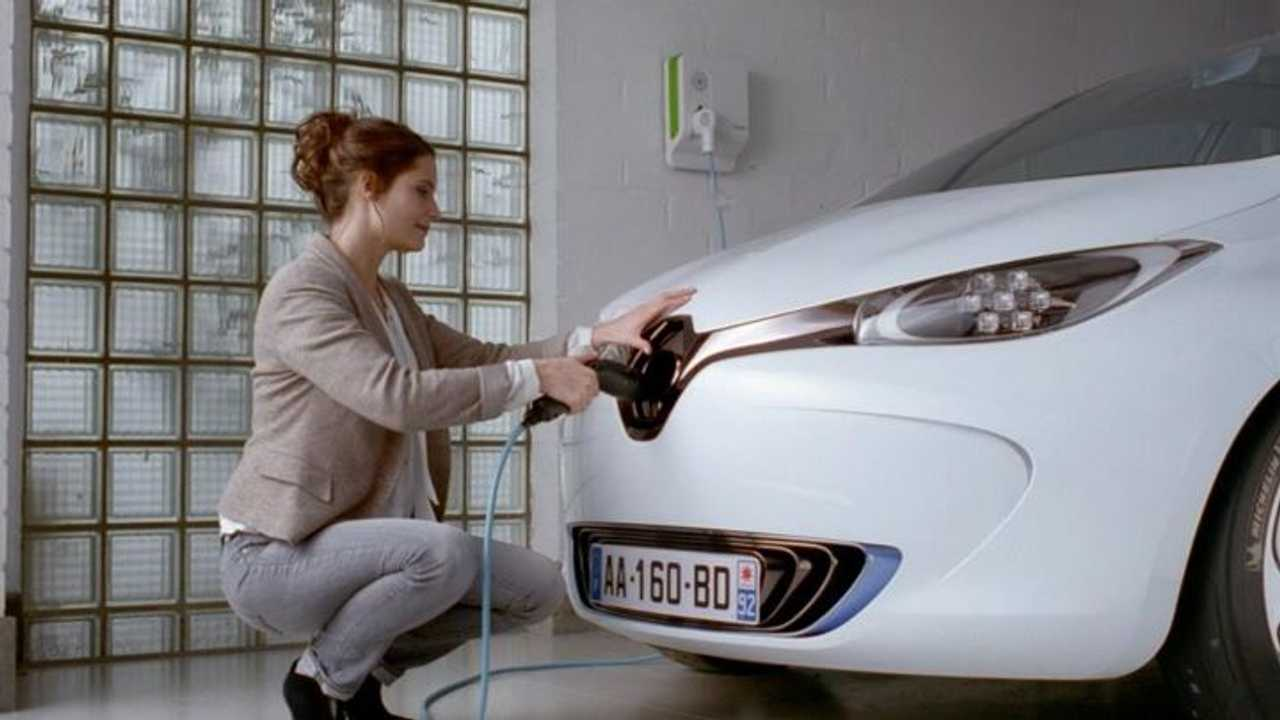 Renault Zoe Hits The UK In June, But Gets A Price Hike First