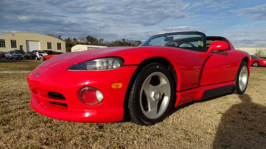 Perfectly Preserved 1995 Dodge Viper Heads To Auction