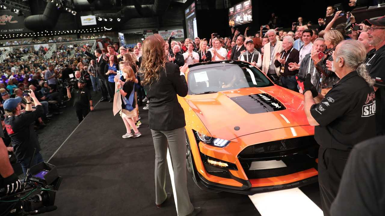 first 2020 ford mustang shelby gt500 auctioned for 1 1m. Black Bedroom Furniture Sets. Home Design Ideas