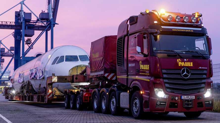 Anche gli aerei viaggiano in Mercedes