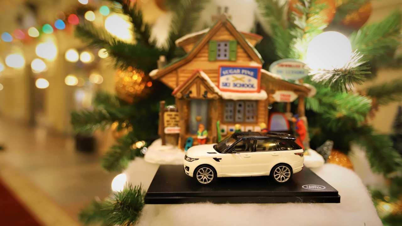 Jaguar Land Rover New Year Tree