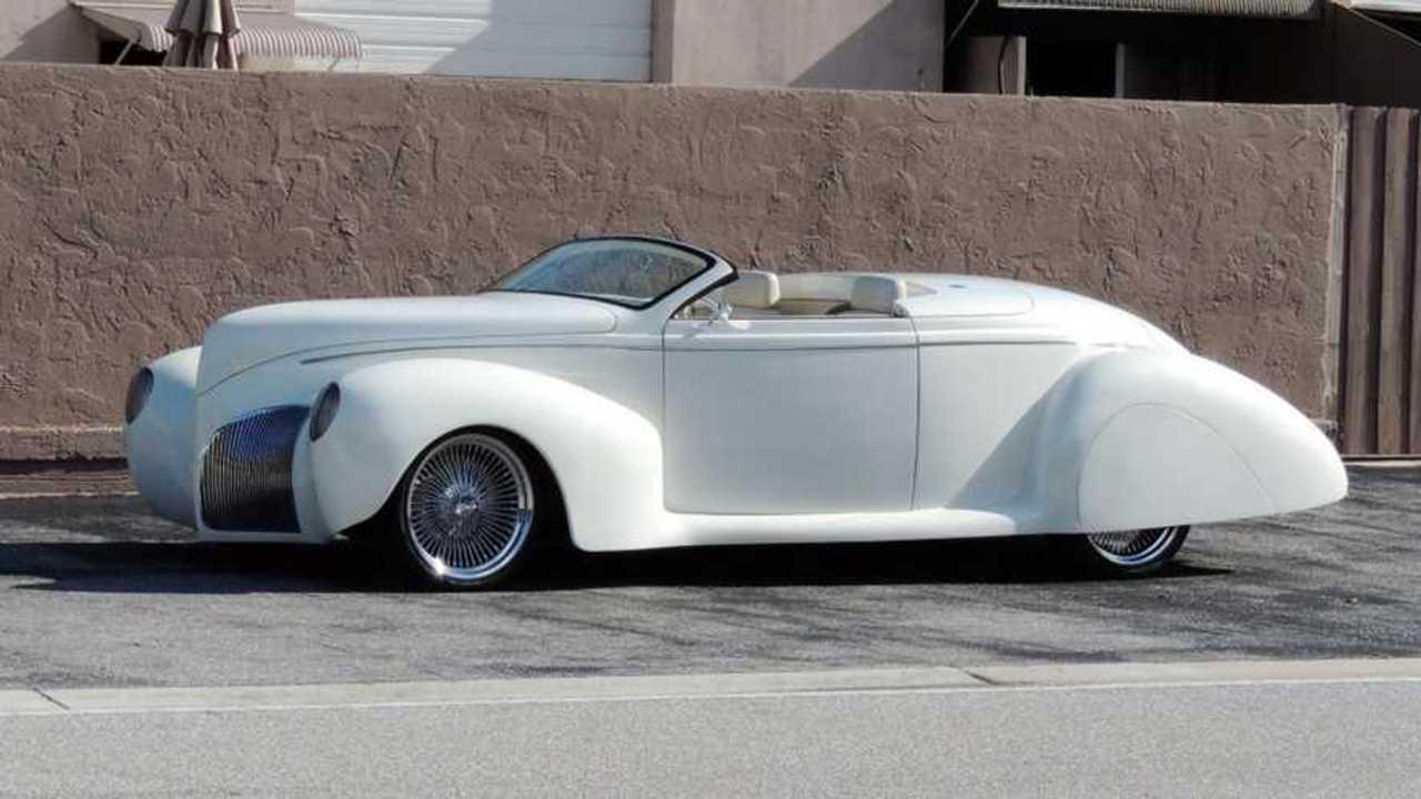 1939 Lincoln Zephyr restomod