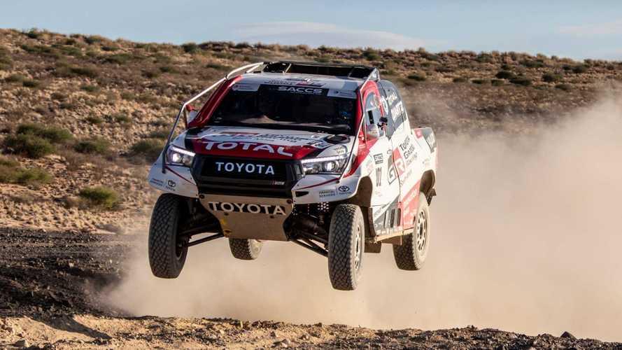 Toyota Hilux, Fernando Alonso pensa alla Dakar