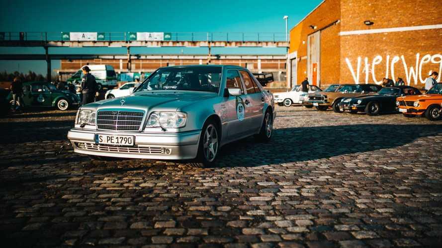 25 éve mutatkozott be a Porsche által fejlesztett Mercedes 500 E