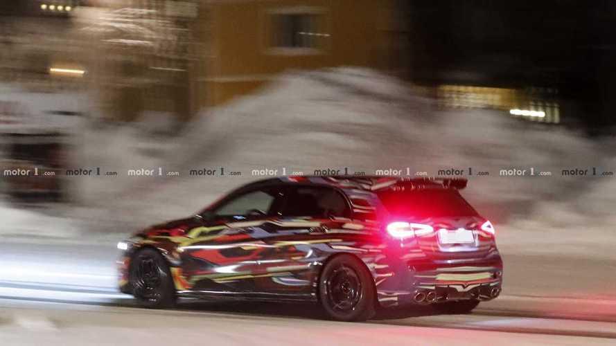 Nuova Mercedes-AMG A 45, nuove foto spia