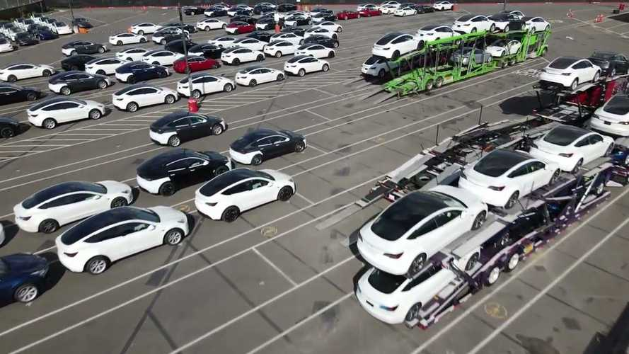 Tesla Reportedly Has Some 10,000 Cars On Factory Hold