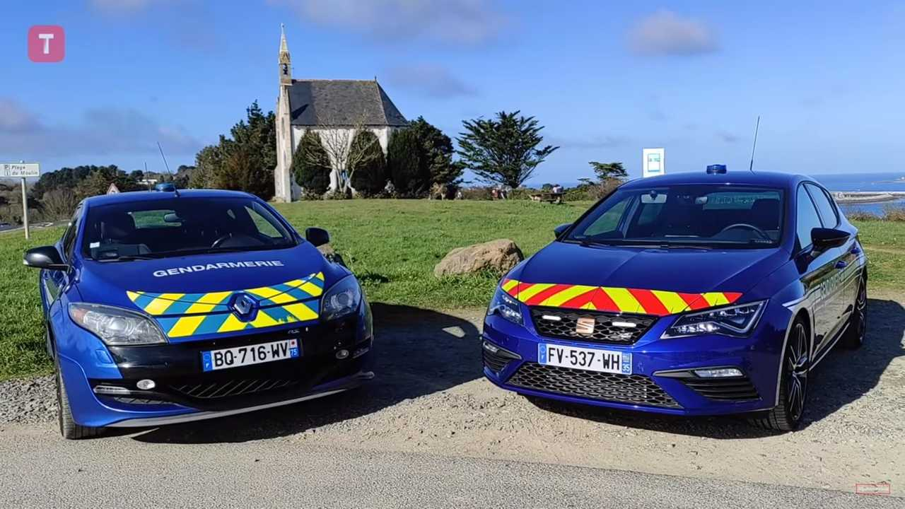 Seat Leon Cupra et Renault Mégane RS de la gendarmerie