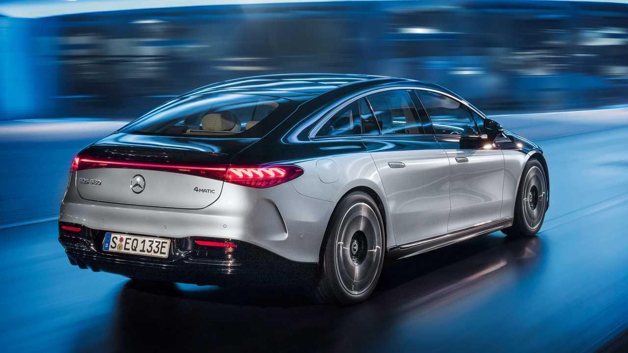 informaçoes sobre o novo eqs 2022-mercedes-benz-eqs-580-edition-one-exterior-rear-quarter