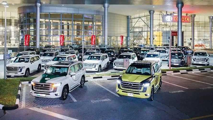 La Toyota Land Cruiser 300 della polizia degli Emirati Arabi Uniti