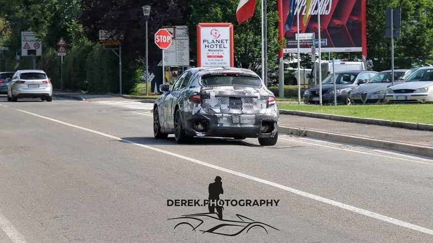 2023 Ferrari Purosangue SUV new spy photos