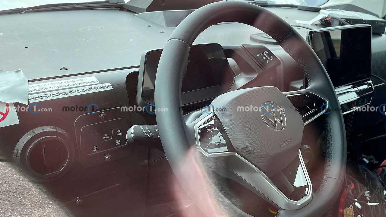 VW ID.Buzz als Erlkönig: Erstmals gibt es auch Bilder vom Cockpit