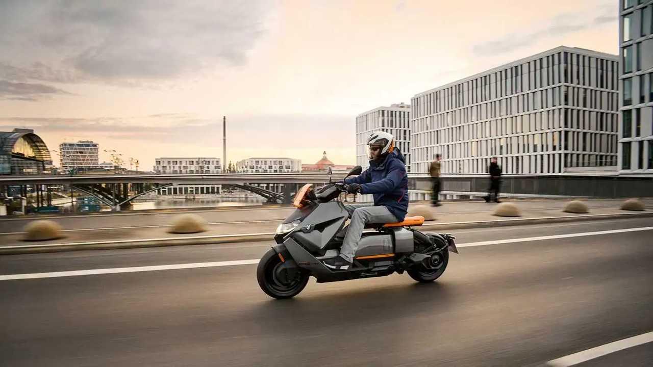 il nuovo scooter elettrico di BMW Motorrad CE 04