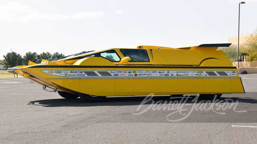 762-HP Hydrocar With Chevy Engine Comes With Custom-Built Trailer