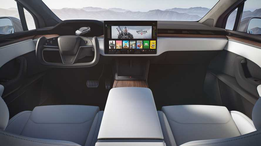 Refreshed Tesla Model X Out Driving: New Interior, Yoke, Wheels