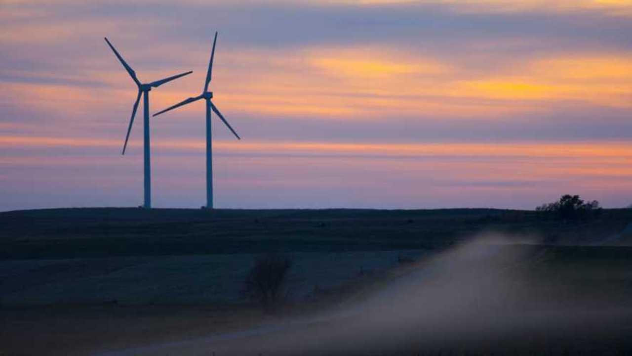 Tesla & BP Team Up To Install Battery Storage At Solar Windfarm
