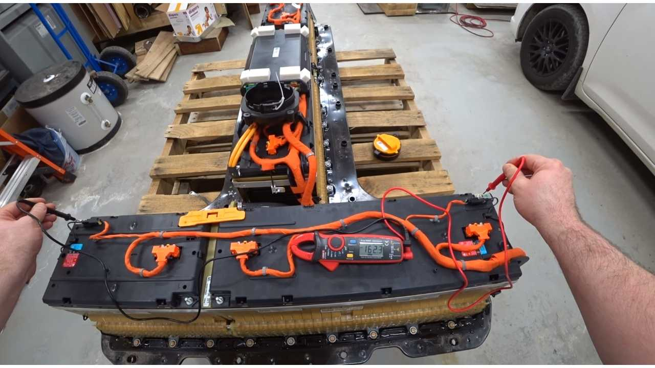 Chevy Volt Gen 2 Battery Torn Down For DIY Energy Storage Project