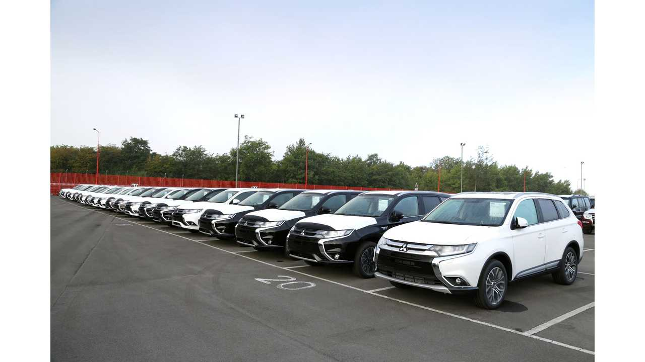 First Deliveries Of The 2016 Mitsubishi Outlander PHEV In RHD Arrive In The UK