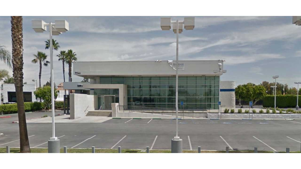 Tesla's First New/Used Showroom Opens In SoCal