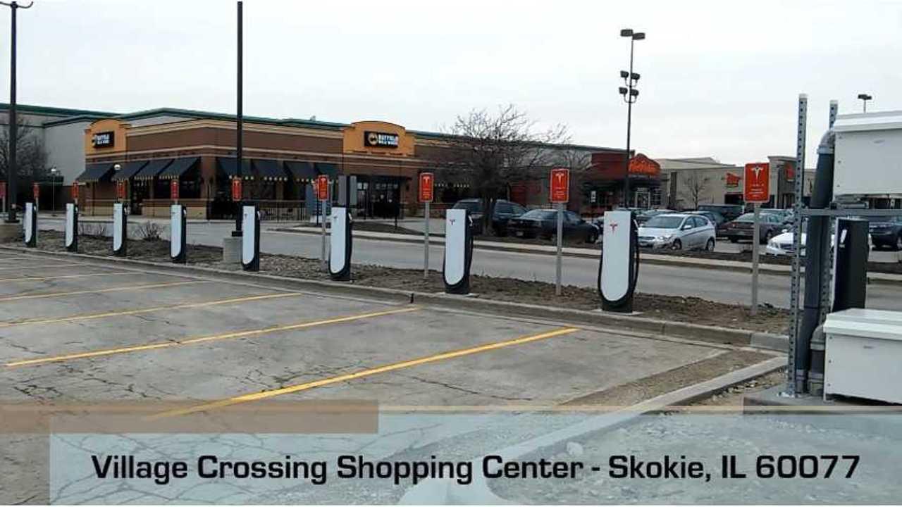 Tesla Urban Superchargers in Skokie, IL (source: prez kamacho)