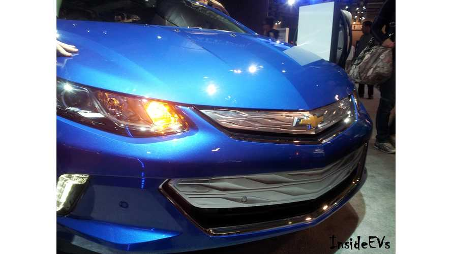 2017 Chevrolet Volt Walkaround And Interior Tour - Video