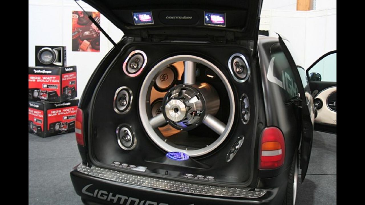 Sieht aus wie ein Propeller, macht aber auch nur Musik: Der Chrysler Voyager einmal anders