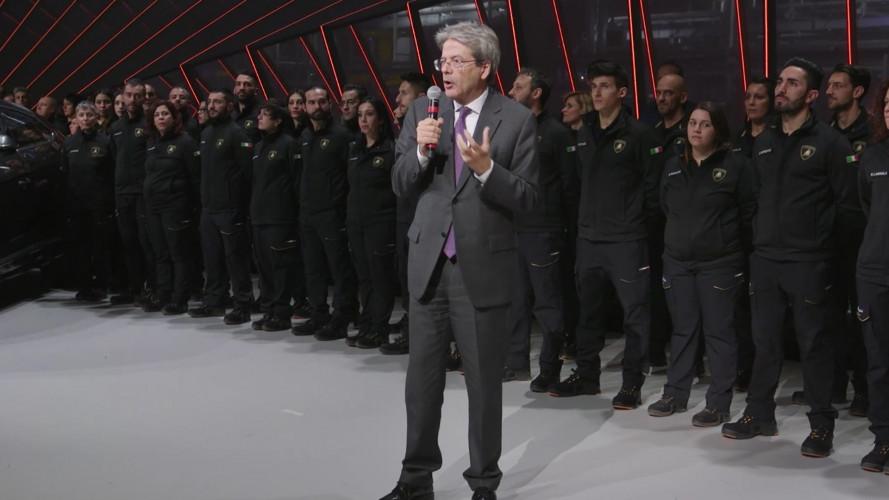 """Lamborghini Urus, per Gentiloni è un """"orgoglio nazionale"""""""