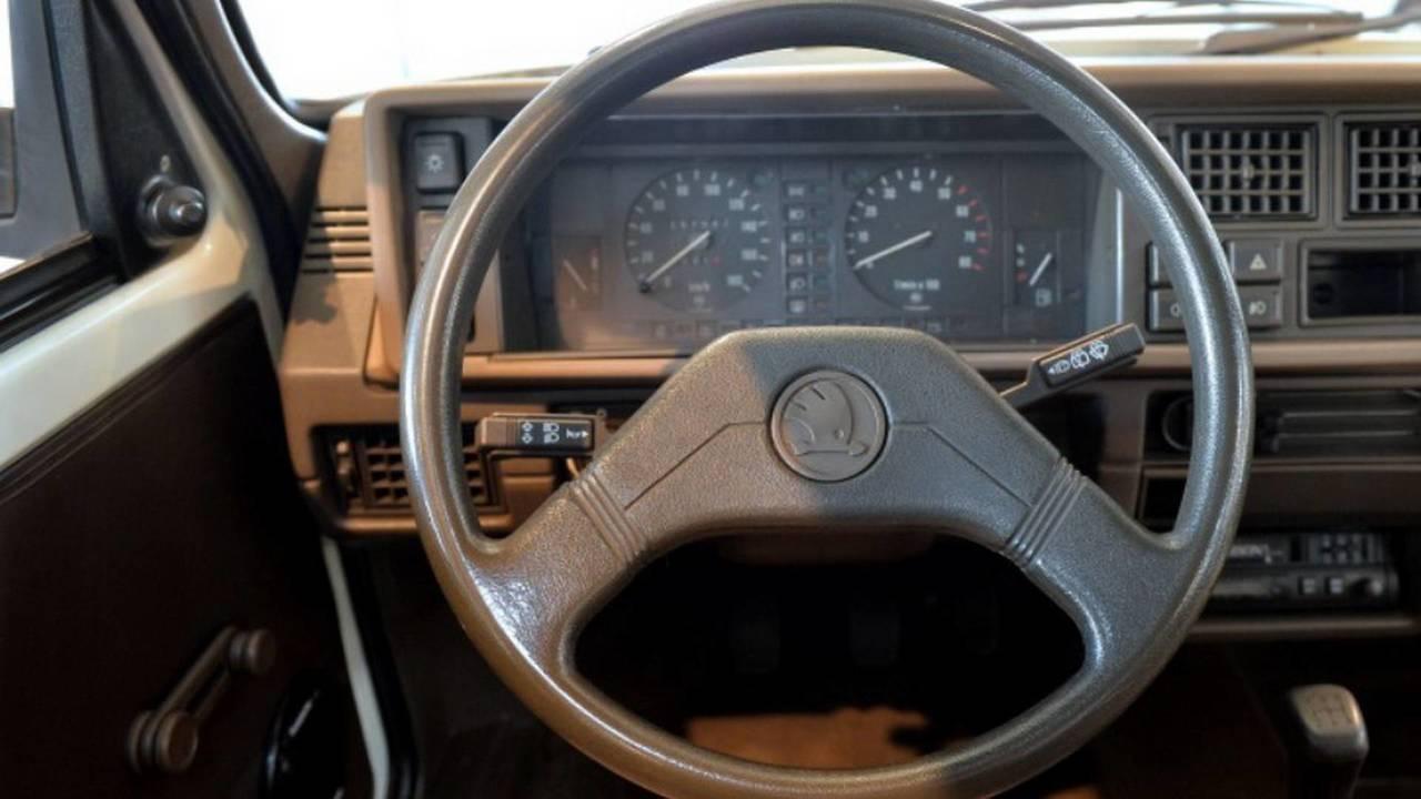 1989 Skoda Favorit steering wheel