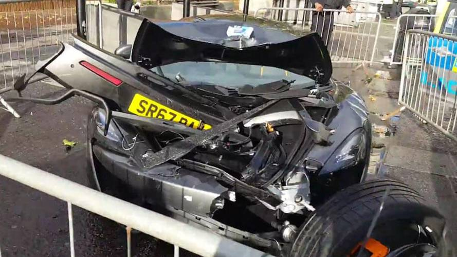 McLaren 570S totalled in London