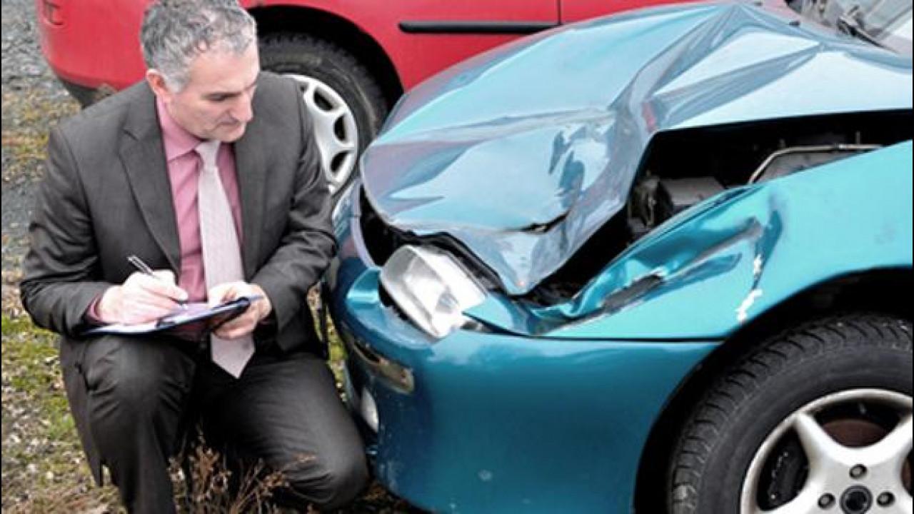 [Copertina] - Adiconsum: L'assicurazione aumenta? Come evitare lo scatto del