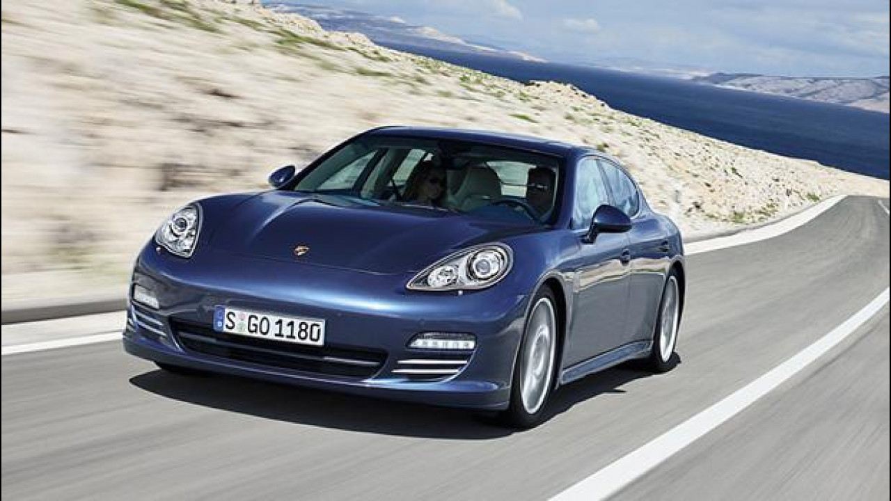 [Copertina] - Porsche Pajun, la baby-Panamera sarà solo elettrica?
