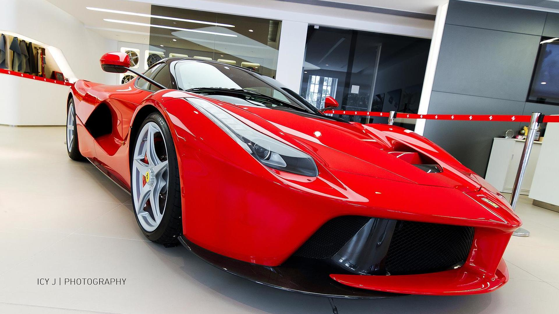 Laferrari Buyers Willing To Pay 1 25m Eur Extra To Get Their Cars Earlier Report