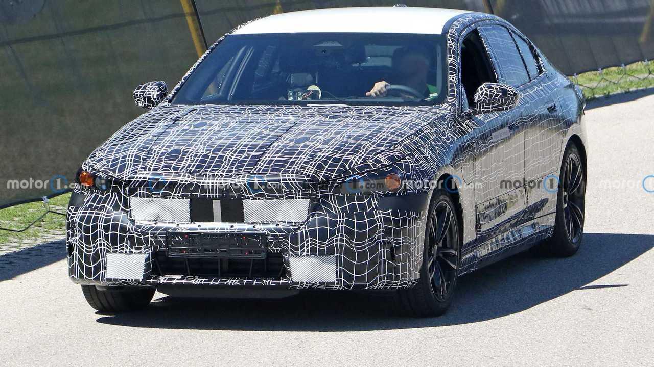 BMW M5 híbrido enchufable