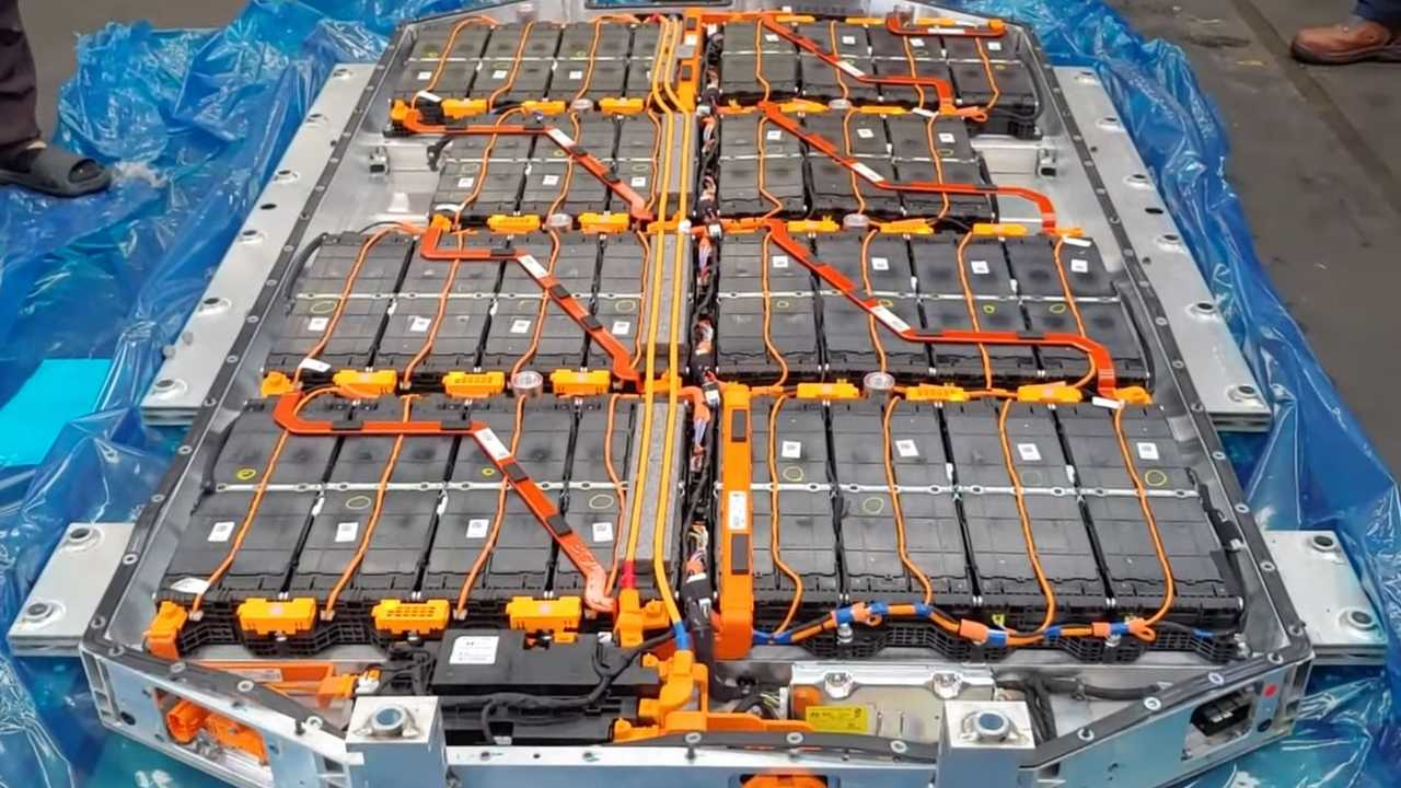 Hyundai Ioniq 5 battery (source: BASTRO Power Station)