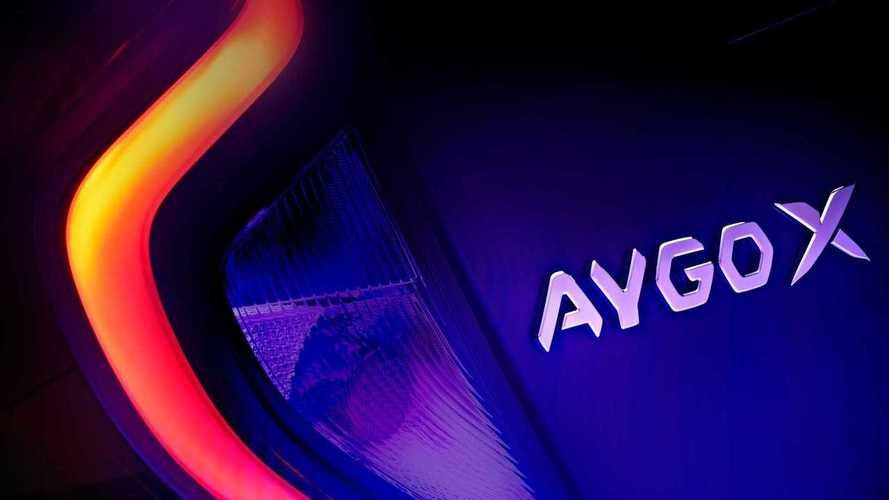 Teaser Toyota Aygo X 2022: el crossover debutará en noviembre