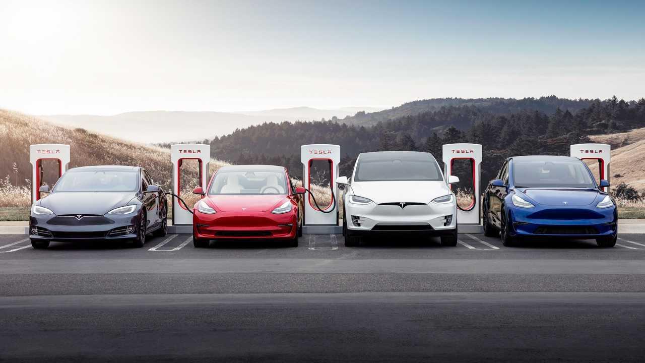 Tesla Supercharger 7