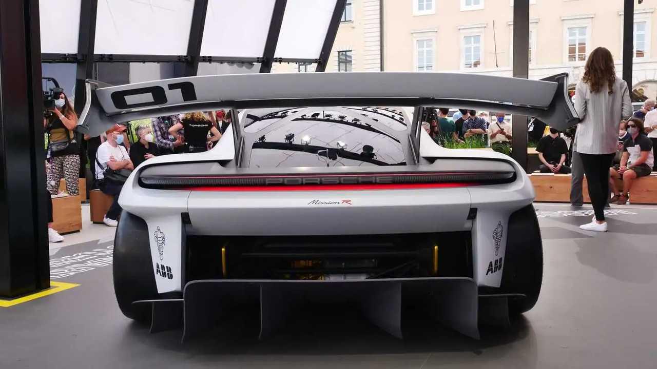 Porsche Boxster elétrico motor central