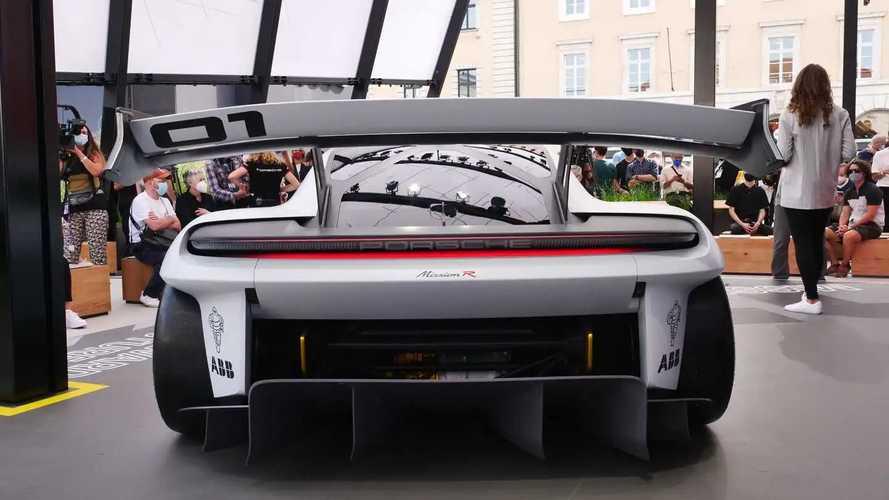Porsche Boxster elétrico irá manter o layout de 'motor central'