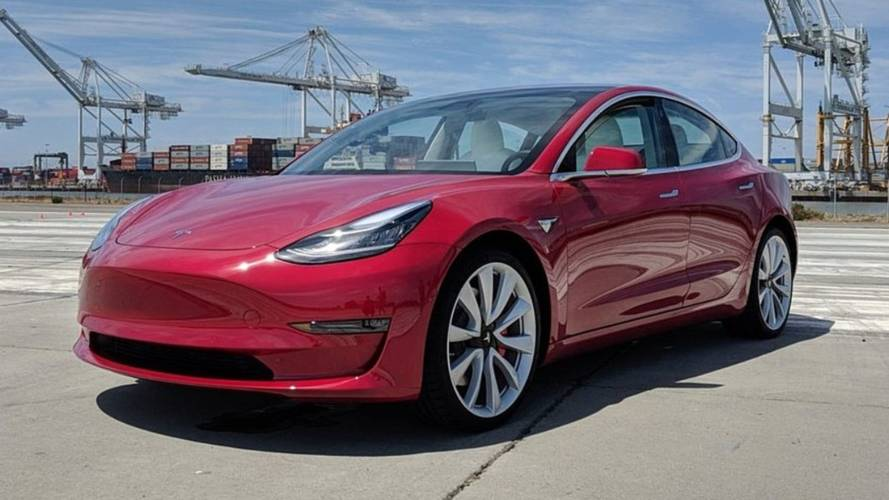 See The Changes: Old Versus New Tesla Model 3: Video