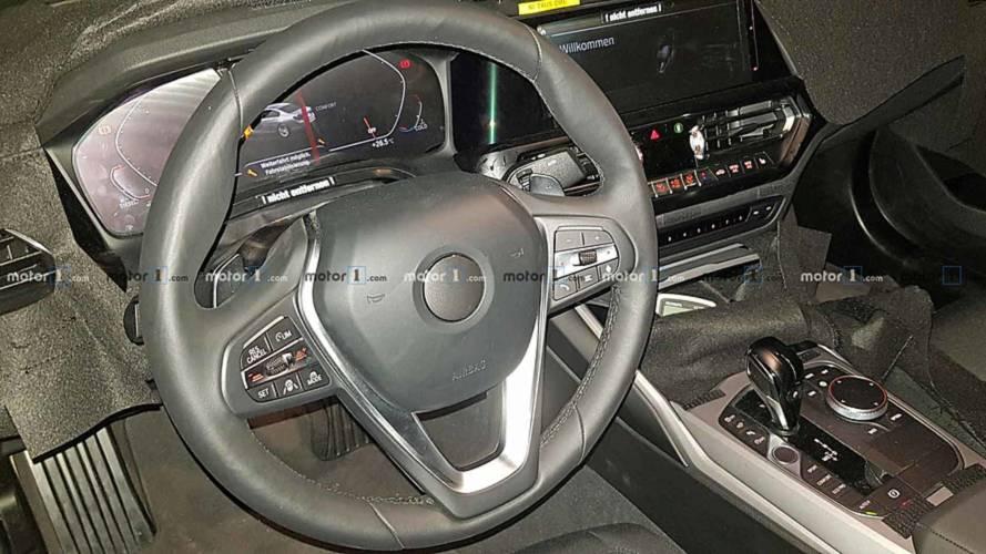 BMW Série 3 2019 revela interior high-tech com painel digital