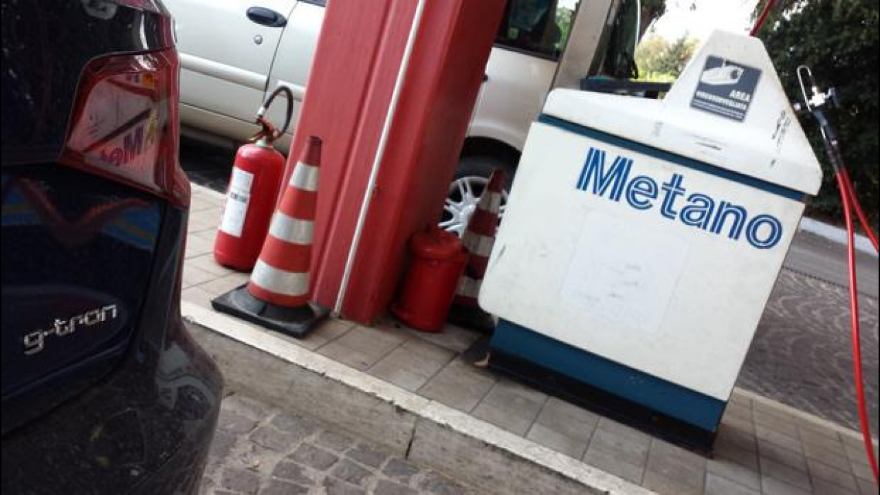 [Copertina] - Auto a metano, in Sardegna primo passo per avere 1 distributore