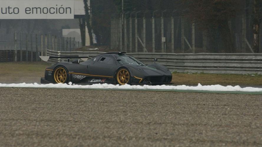 Pagani Zonda R Hits the Racetrack