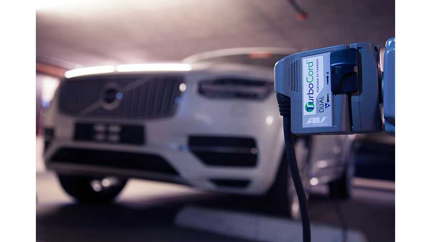 2016 Volvo XC90 T8 Plug-in Hybrid to Include Dual Voltage AV TurboCord